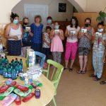 Adományosztások egy budapesti Anya- és Családotthonban élő családoknak