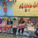 Ajándékozás a móri Gárdonyi Géza Iskolában