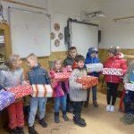 Ajándékozás a jásdi iskolásoknak