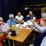 Adományosztás a a csepeli Mozgássérültek Klubjában