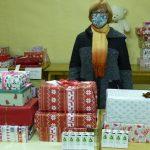 Indulnak a cipősdoboz ajándékok egy csepeli gyermekotthon lakói számára