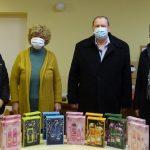 Illatszer ajándékok a csepeli oktatási intézmények dolgozóinak